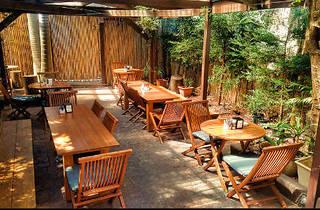 Refn Courtyard Cafe