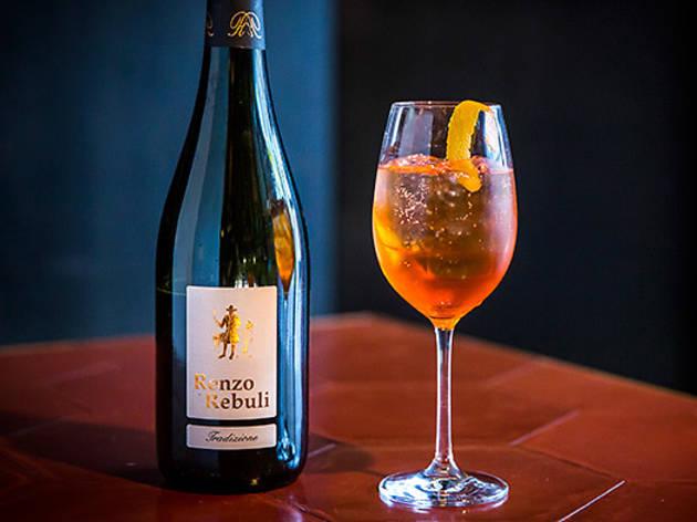 121BC--drink-wine-spritzer.jpg