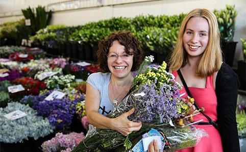 Anna_Kucera_Flower_Markets_017.jpg
