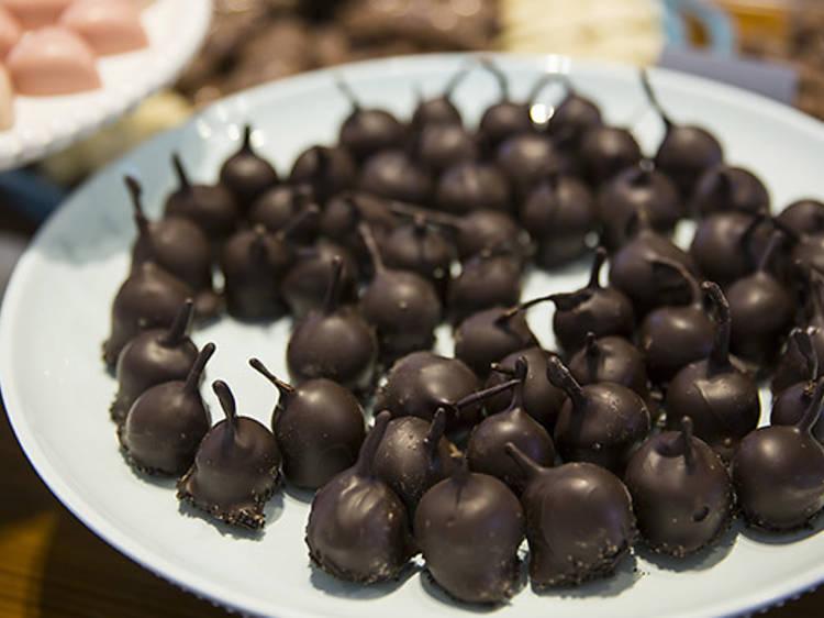 Chocolate cherries – Lixie Chocolaterie