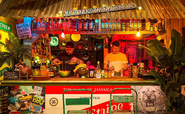 7-Anna_Kucera_Jamtown-bar-bartender-drinks.jpg