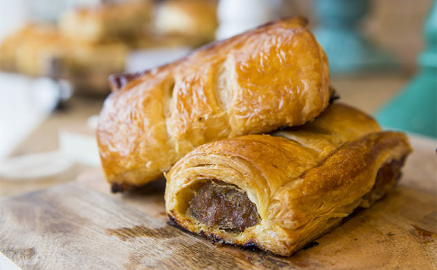 Pork and fennel sausage roll – Bourke Street Bakery