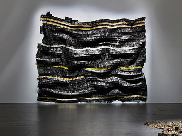 El-Anatsui-2916-Carriageworks-install-shot-02-courtesy-Carriageworks-photo-credit-Zan-Wimberley.jpg