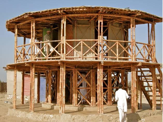 (Women's Centre, Darya Jhan, Pakistan, designed by Yasmeen Lari. © Heritage Foundation of Pakistan)