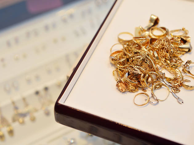Gold Buyers Club & Jewelers | Shopping in Forest Hills, New York