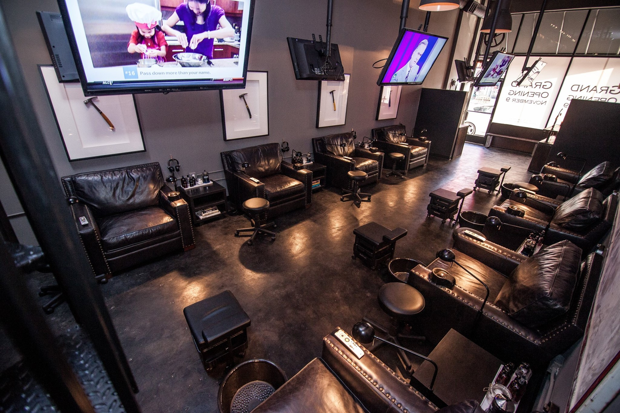 Best Nail Salons In Los Angeles For Polish And Pampering # Salon De Luxe Avec Tv