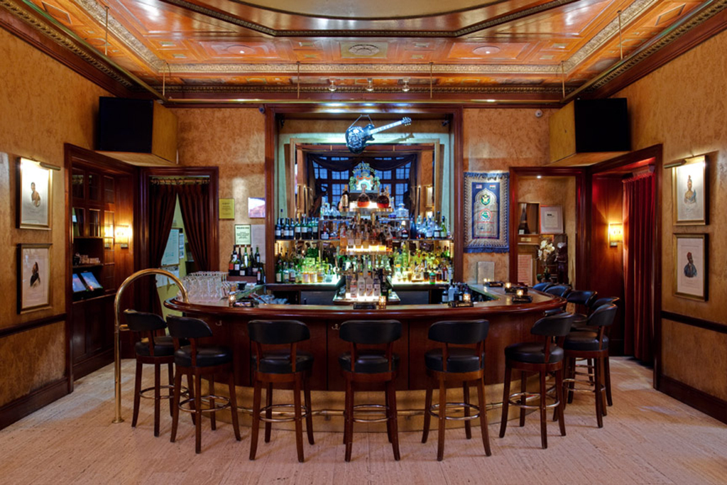 Astonishing Find A Cigar Bar In Nyc For The Best Smokes While Lounging Download Free Architecture Designs Scobabritishbridgeorg