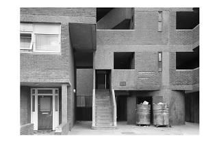 Axel Hütte: 'Kingward House, London' 1982-1984. © Courtesy of the artist