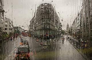 11 ace photos of London taken through a bus window