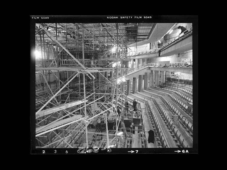 11 really rare photos of the Barbican being built