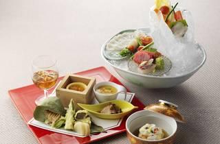 리츠칼튼 서울 일식당 하나조노의 봄 가이세키 요리