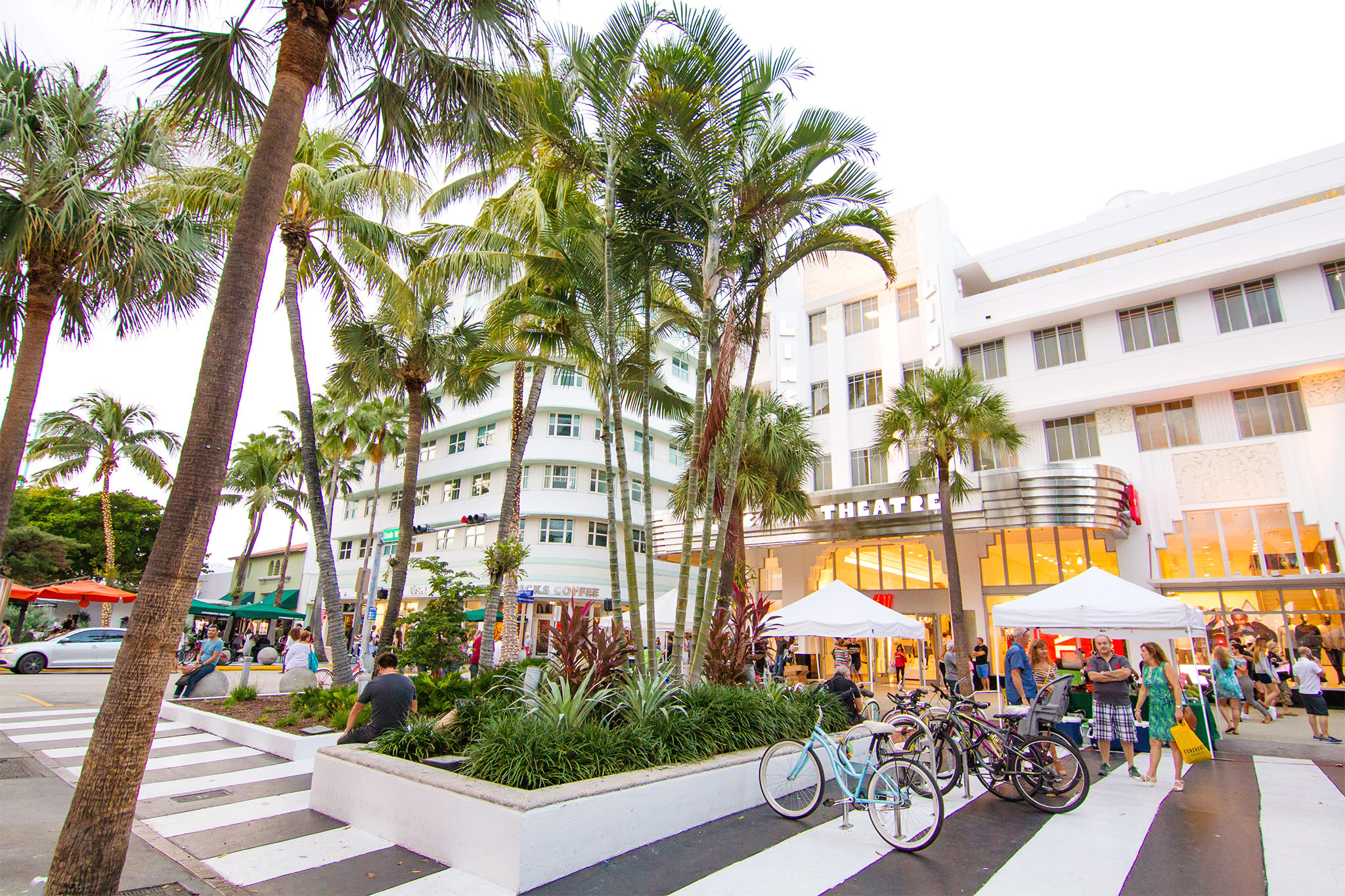 Shop, sip and snack at Lincoln Road Mall