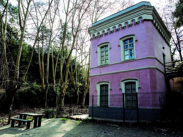 Passejada Casa Rosa Pantà de Vallvidrera