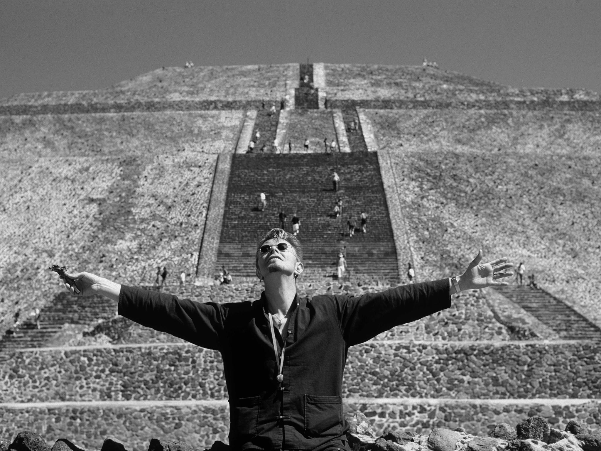 David Bowie: El hombre que una vez cayó en México
