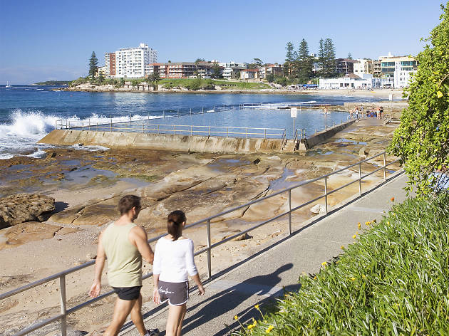 Walkers on the foreshore of Cronulla beach
