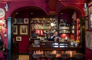 100 best bars and pubs in london, seymour's parlour