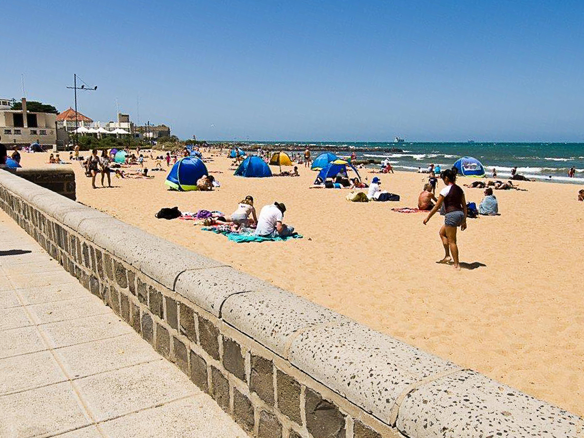 Beachgoers at Williamstown Beach