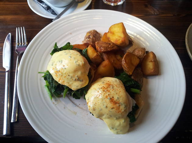 Fork & Bottle eggs benedict
