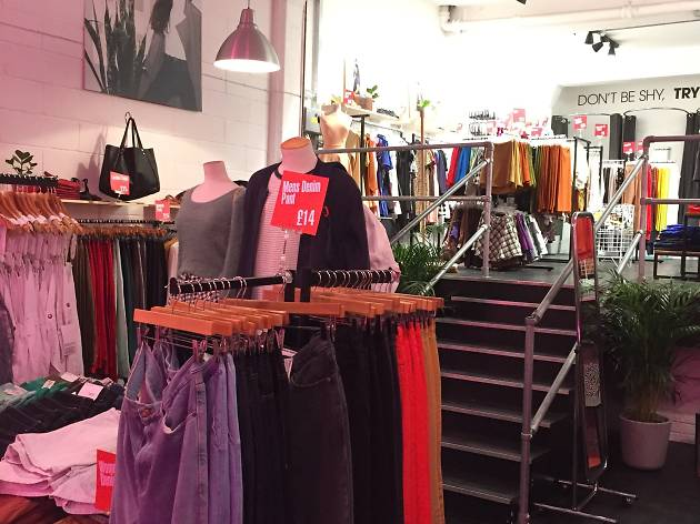 American Apparel Pop Up Outlet Store