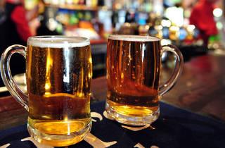 Irish pubs hero