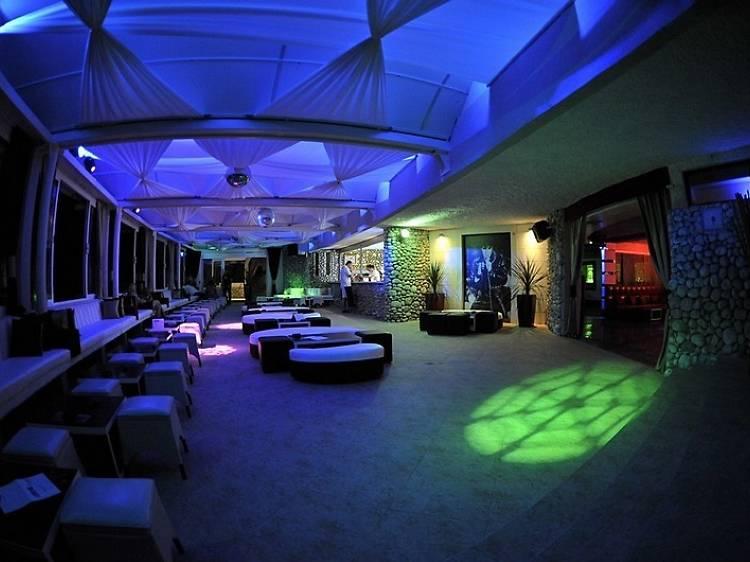Banje Beach restaurant, lounge & club