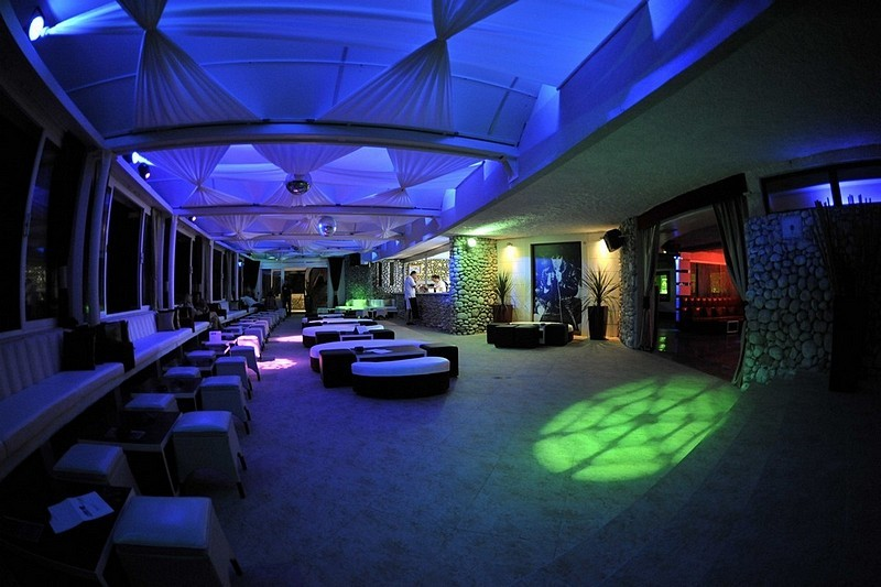 Banje Beach restaurant, lounge & club