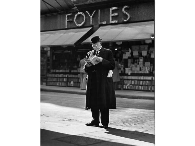 Best London photos: Wolfgang Suschitzky: 'Foyles, Charing Cross Road, London', 1936.