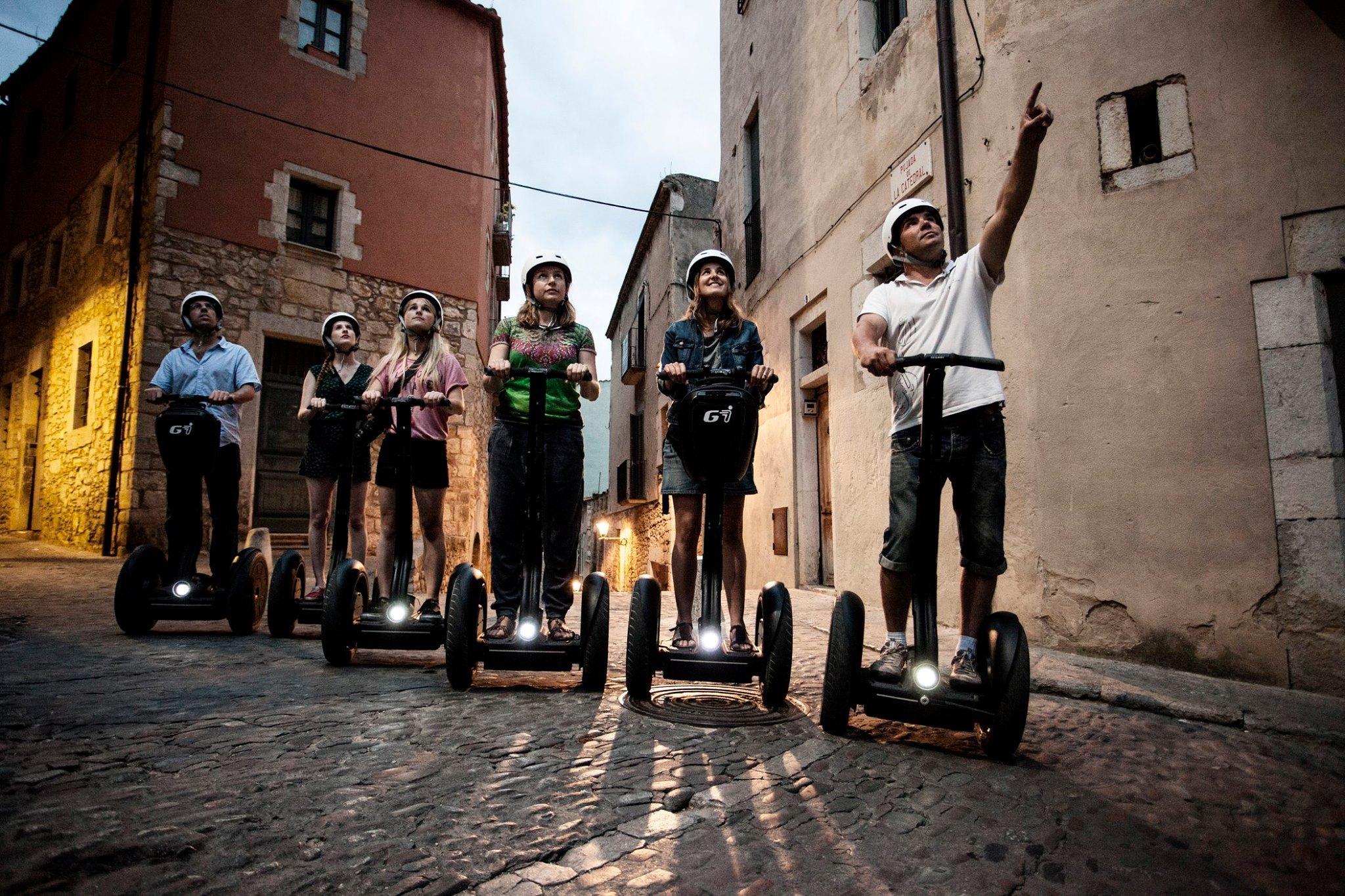 Fer un volt per Girona amb segway