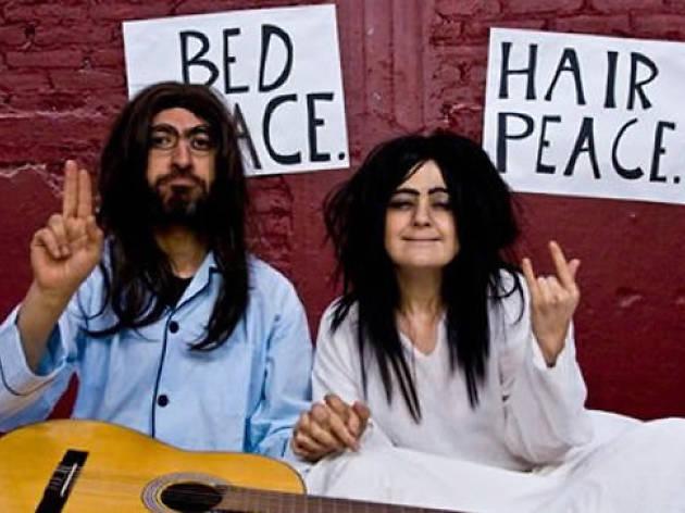 En la cama con John y Yoko