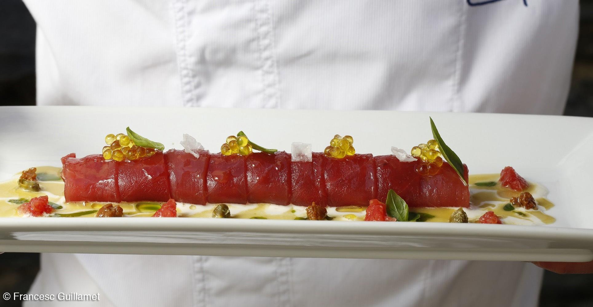 Caneló de tonyina amb sabors mediterranis