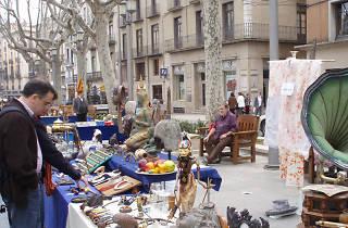 Fira del brocanter i el col·leccionista de Figueres