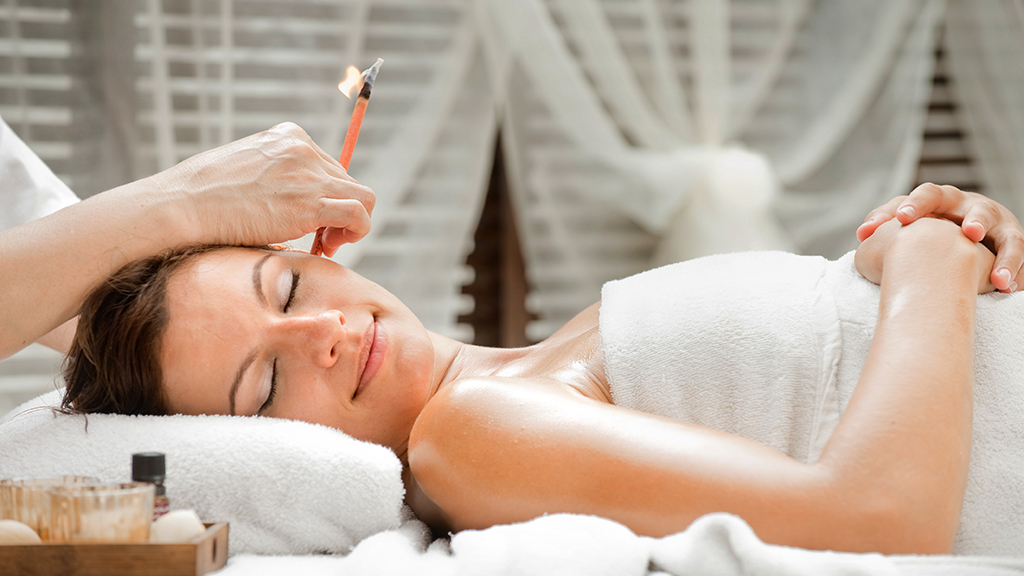 Ear candling treatments at spas and salons in new york for Le salon spa
