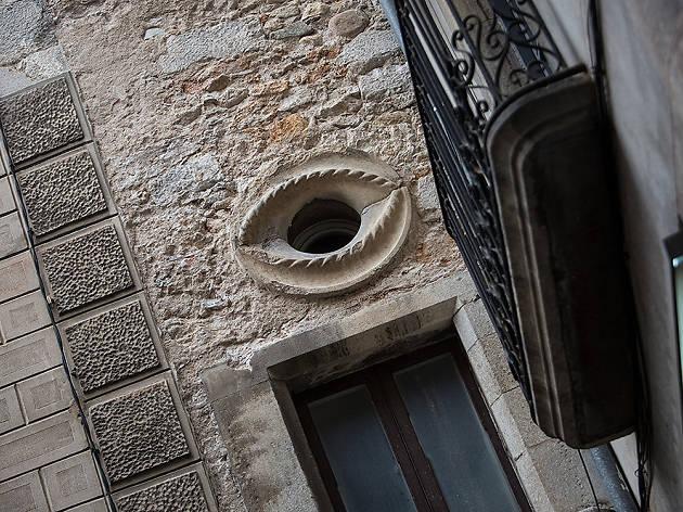 L'ull de la plaça dels Raïms