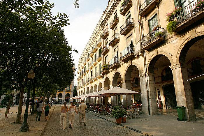 Les terrasses de la plaça de Sant Agustí