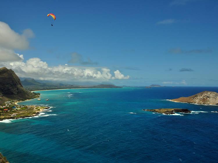 Hawaii: Take a swim in Waimanalo Bay