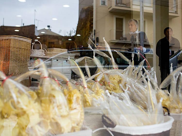 Classic shops in Girona and the Costa Brava