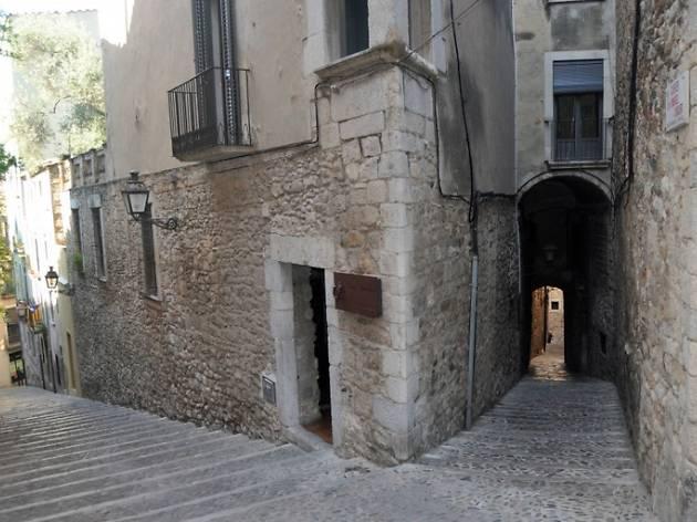 La cantonada Pujada de la Catedral/Carrer Cúndaro