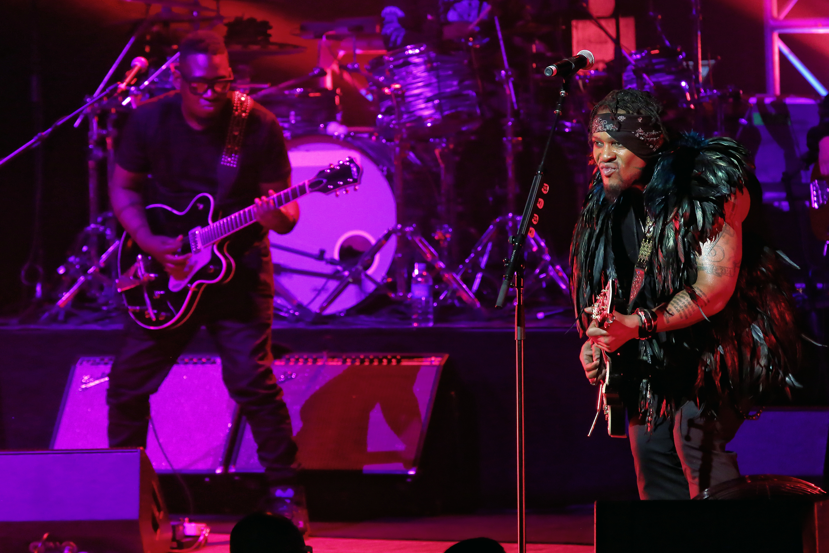 Dangelo Raises The Roof At The Sydney Opera House
