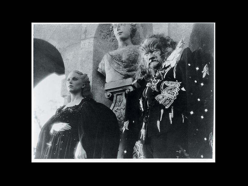 필립 글래스 표 [미녀와 야수]의 시작