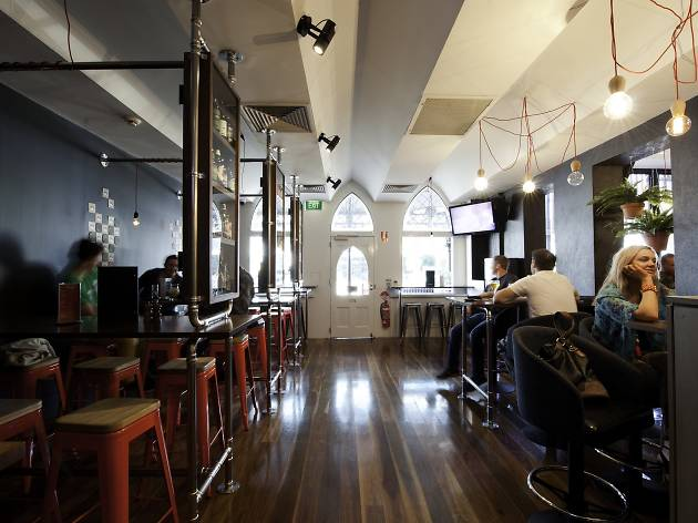 The interior of Beer DeLuxe Hawthorn