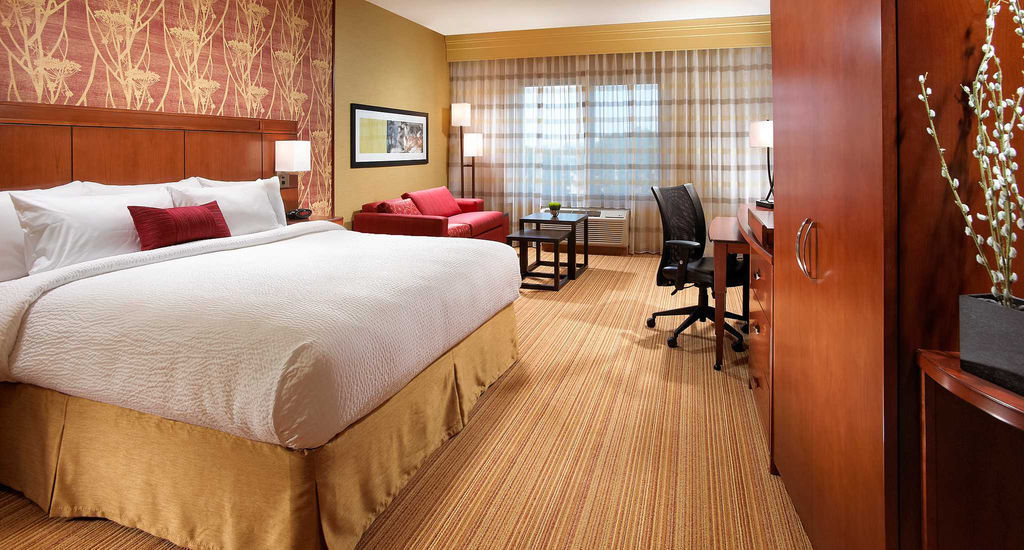 Courtyard Marriott Long Beach Airport
