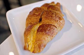 Do.Main Bakery, Salted egg croissant