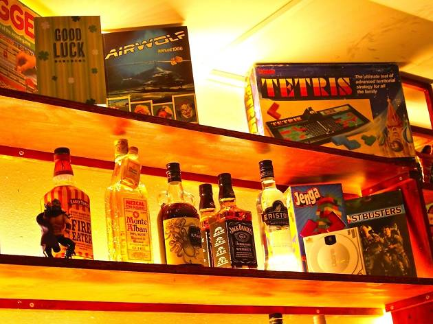 quirky bars and pubs in london, four quarters