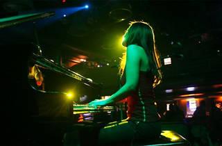 European Club Jazz Geceleri: Selen Gülün Trio (Patrick Zambonin ve Jörg Mikula ile)