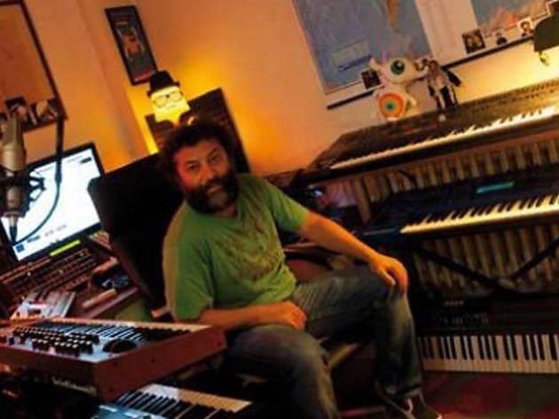 Puma Loves Vinyl: Analog Master