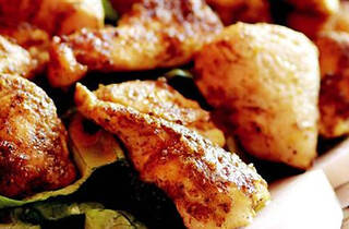 Yemekte Tavuk Var