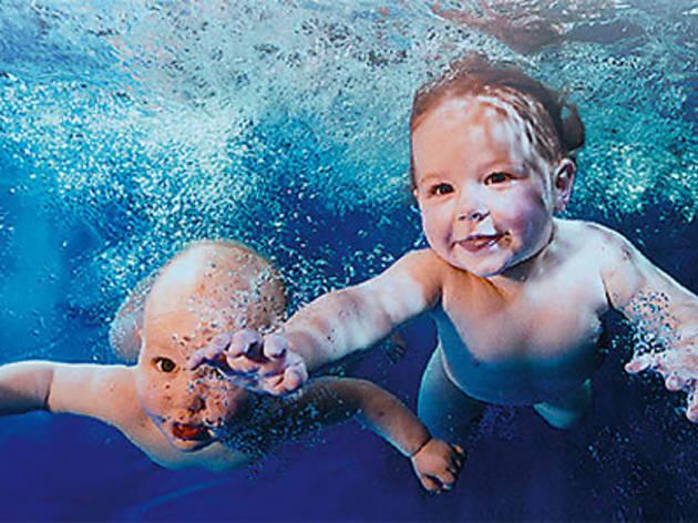 Mövenpick Hotel Istanbul'da Bebekler İçin Yüzme Kursu