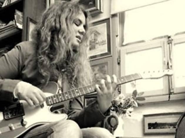Unplugged Mood: Ece Dorsay & Neslihan Engin