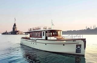Armada gezi teknesiyle mehtap turu