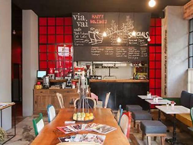Via Vai Café